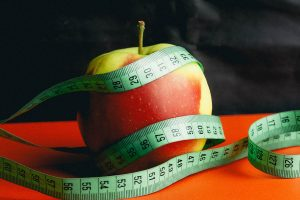 apple-with-tape-measure