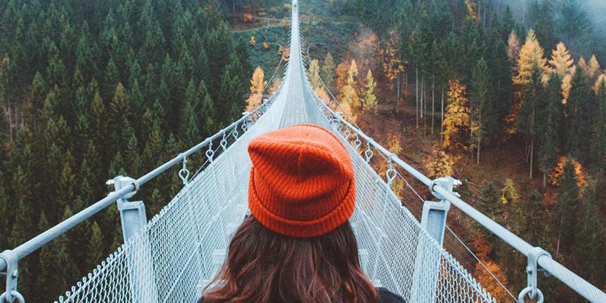 woman-on-bridge