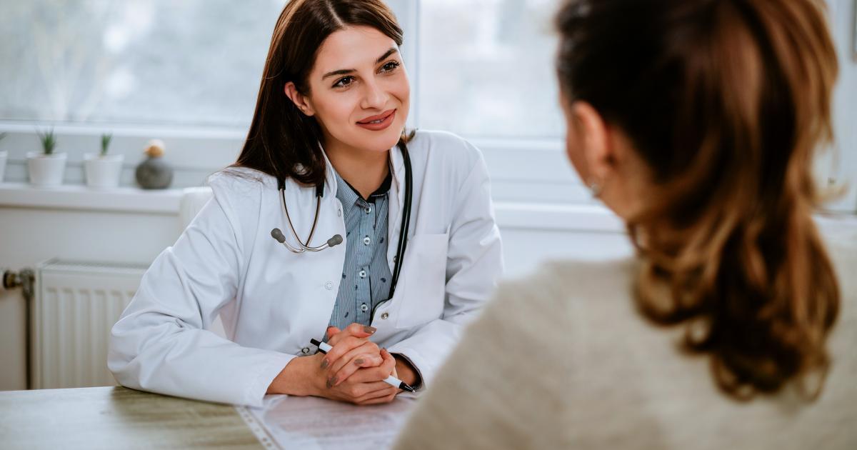 female-doctor-patient
