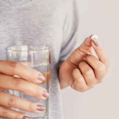 grey-shirt-pill